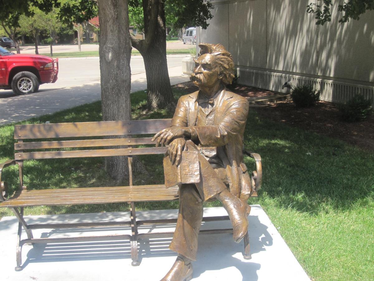 Mark Twain onAmbitions