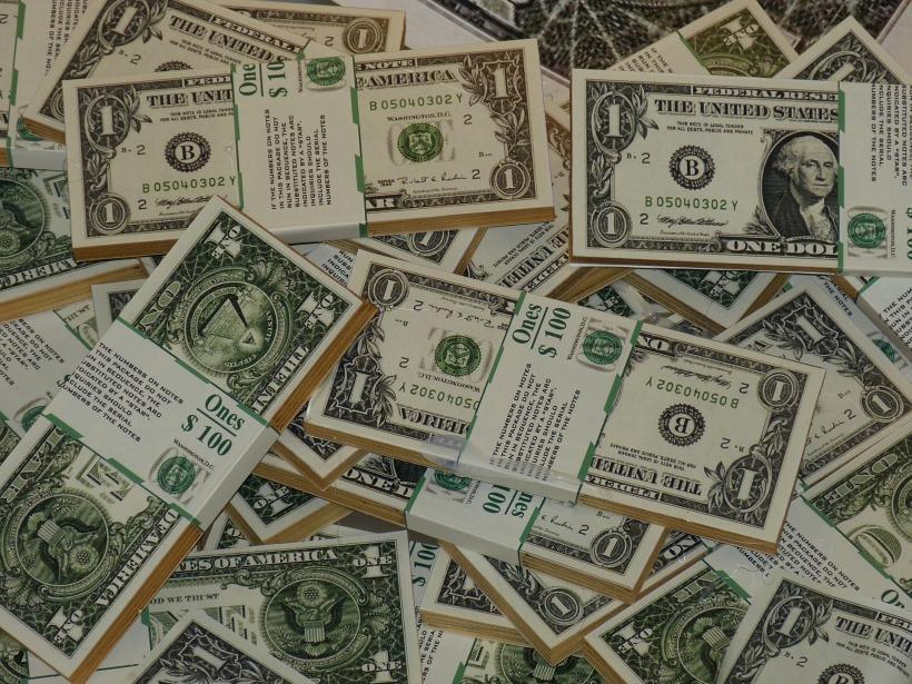 money-860128_1920